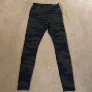 PINK Ultimate camo legging. Size SMALL